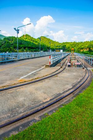 lang: Rail Way on Mae Ping Ton Lang Dam, Thailand.