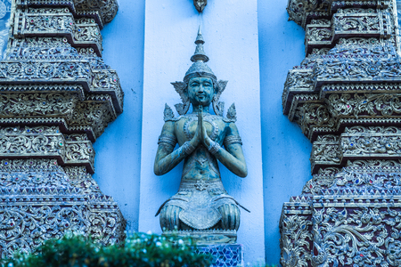 trabajo manual: Thai angel statue, Thailand. Foto de archivo