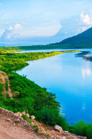 Landscape view of Mae Kuang Udom Thara dam, Thailand. 免版税图像