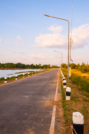 Road of Mae Jok Luang reservoir, Thailand. Stock fotó