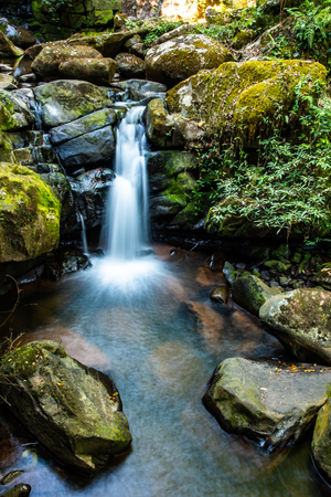 Sapan waterfall in Bokuai district, Thailand. Stockfoto