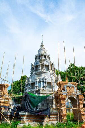The pagoda which is still under construction in Phra Nang Din temple, Phayao province 版權商用圖片