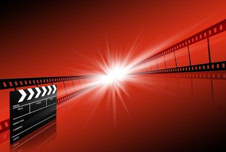 rollo pelicula: placa de Clap y dos tiras de película sobre fondo rojo  Foto de archivo