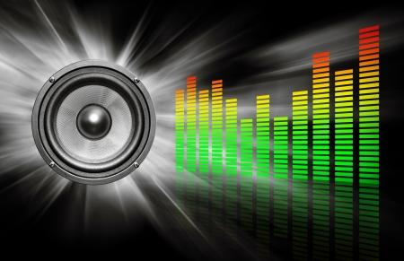equipo de sonido: altavoces & ecualizador sobre fondo negro