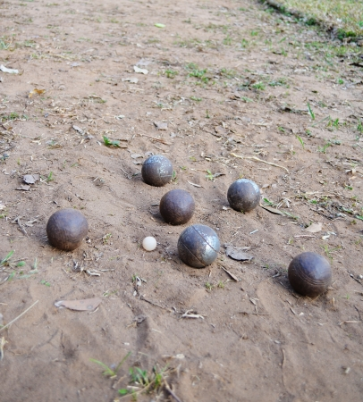 bocce ball: Friendly Ball game,only throw it you will have fun