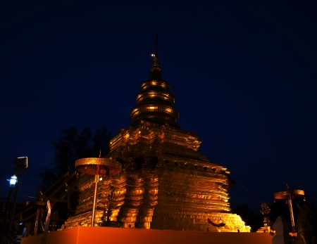Phra That Sri Jom Thong  Before Sunrise, Series 1_4, Golden Pagoda on Spot Light, Chiang Mai province, Thailand Stock Photo