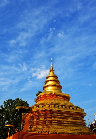 Phra That Sri Jom Thong Series 1_6, Golden Pagoda with Clond and Blu Sky.Chiang Mai province,Thailand.