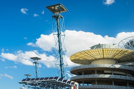 시드니, 호주 -2007 년 2 월 21 일 : 시드니 올림픽 공원에서 태양 전지 랜 턴 에디토리얼