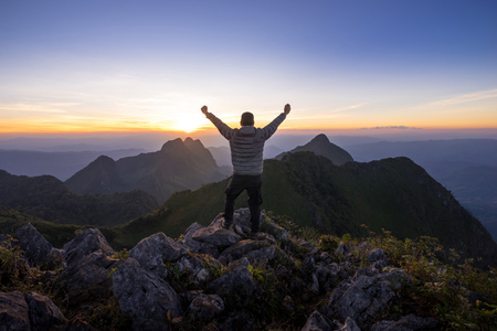 Man reaches the peak of Doi Luang Chiang Dao, The third highest mountain in, Thailand Banque d'images