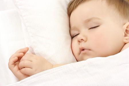 enfant qui dort: Cute l'enfant dort, les cl�s portrait
