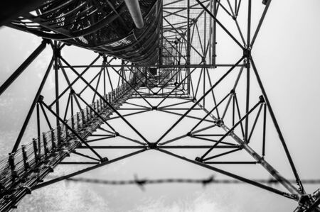 The metal structure of the observation tower, view from below. Banco de Imagens
