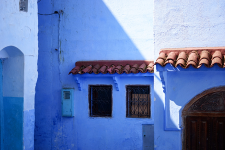 Traditional and Beautiful Blue Door,Old Medina, Chefchaouen, Blue City of northwest Morocco Standard-Bild - 101100797