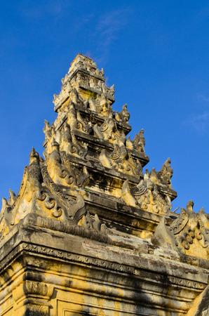maha: Maha Aungmye Bonzan Monastery in Inva, Myanmar
