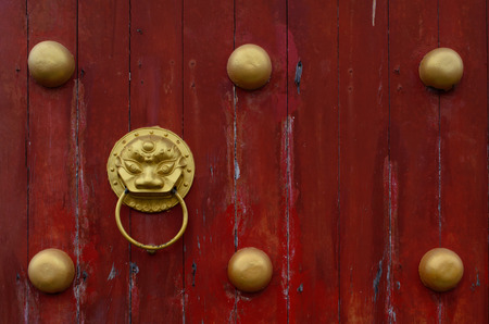 door of chinese temple Standard-Bild