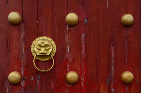 door of chinese temple Standard-Bild