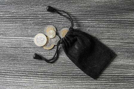 GLOVE AND MONEY Muna TURKISH LIRA