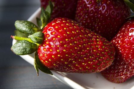 Natural strawberry pictures in the most beautiful consepts, wonderful strawberries in the plate