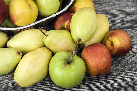 pitchfork: Mature pear pictures in the basket, natural and organic santa maria pear fruit pictures,