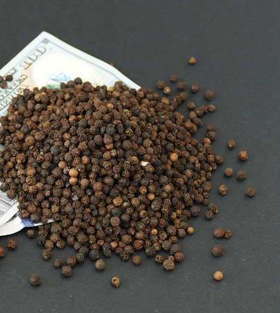 $ 100 and black pepper black pepper prices in the World