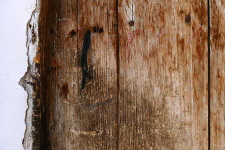 an old classic wooden door Banco de Imagens - 115853376