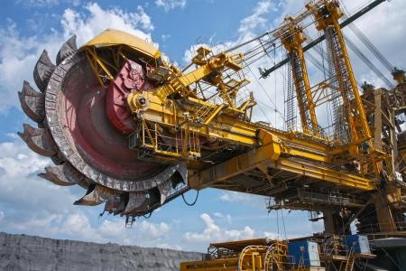 巨大な褐炭鉱山ショベル 写真素材