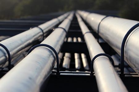 製油所への原油パイプライン輸送