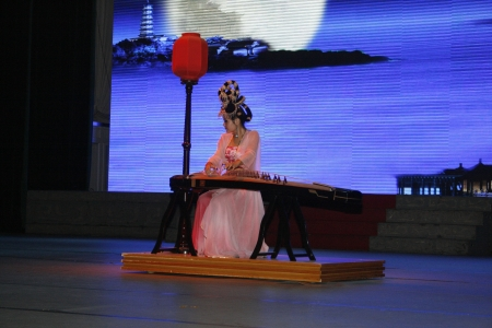 accrue: theatre of dancing in Xian  Xian, China