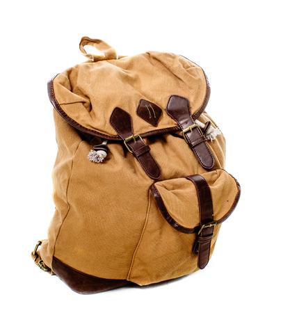 mochila de viaje: una imagen de la mochila de viaje aislado en blanco