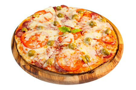 comida italiana: una imagen de la deliciosa pizza con champiñones