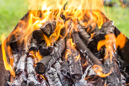 An image of burning firewood Stockfoto