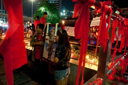 lumpini: Lumpini Park, Bangkok - May 13,2011 : recall a year of the death of Major general Kattiya Sawaddipol. Editorial