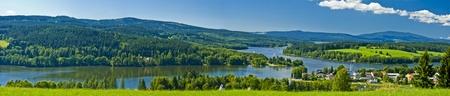 좋은 파노라마 Lipno 호수의 나라