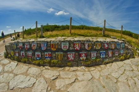 krkonose: emblems of towns along Labe