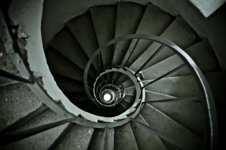 오래된 계단에서 좋은 나선형 스톡 콘텐츠