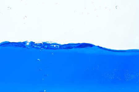 푸른 물 표면의 세부 사항