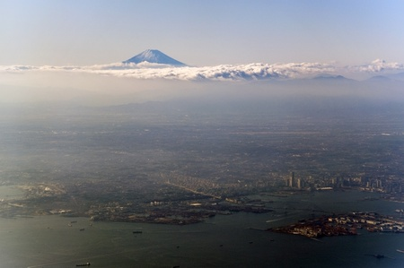 fujisan: Breathtaking view of Tokyo with Mount Fuji in the background Stock Photo
