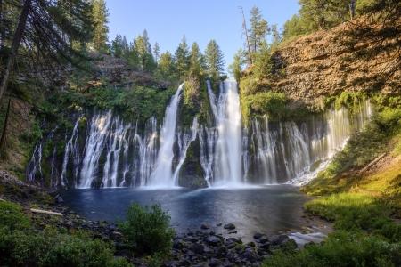 カリフォルニア州のマッカーサー ・ バーニーの滝