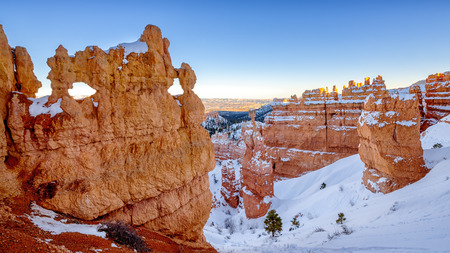 national scenic trail: Winter Bryce Canyon Hoodoos with snow, Bryce Canyon National Park, Utah