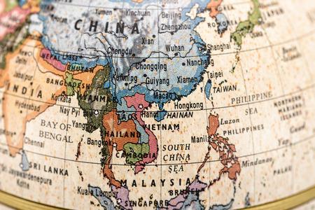 Close-up van het Oosten en Zuidoost-Azië in de kleurrijke wereld kaart.