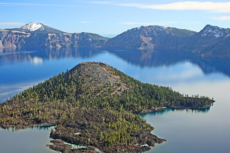 Wizard Island on Crater Lake, Oregon Stock Photo - 21923144