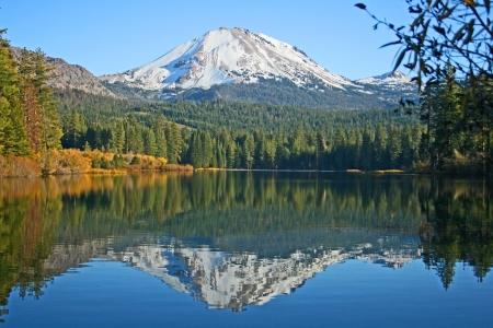Manzanita Lake - Parco Nazionale Lassen Volcanic, California Archivio Fotografico - 23562514
