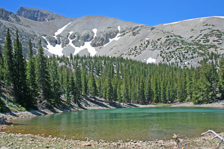 Landscape with a lake - Great Basin National Park, Nevada 스톡 콘텐츠