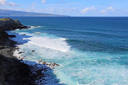 Blue Pacific - Coast of north Maui, Hawaii 스톡 콘텐츠