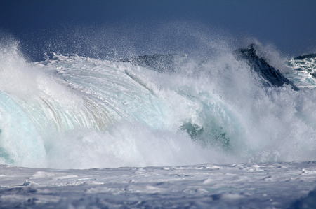 crushing: Crushing pipe wave - Hawaii