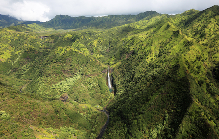 kauai: Bird-eye view at Manawaiopuna Falls - Kauai, Hawaii