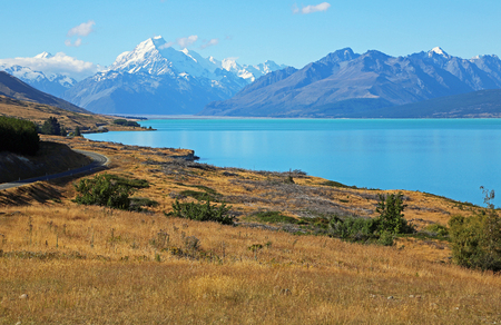 Hill on Pukaki Lake, New Zealand Banco de Imagens