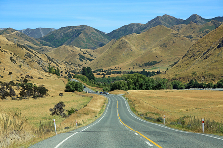 Lewis Pass road, New Zealand 스톡 콘텐츠
