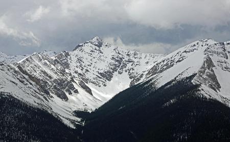 Pico Sundance, Parque Nacional Banff, Canadá Foto de archivo