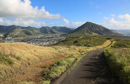 The ridge trail and Hawaii Kai, Oahu, Hawaii 스톡 콘텐츠