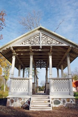 ルーク: Pavilion in park at autumn  Luke manor in Estonia